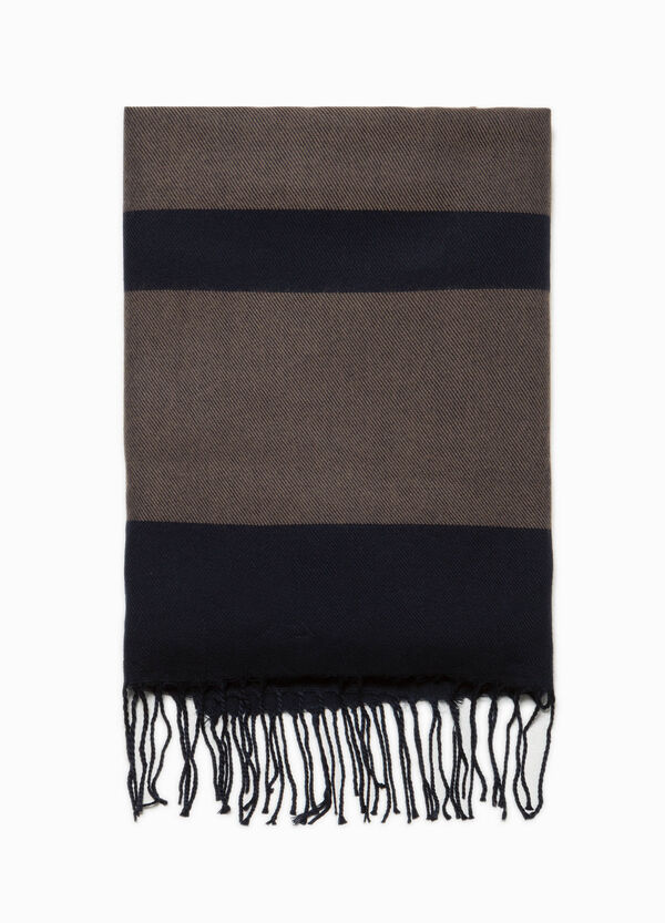 Striped scarf with long fringing