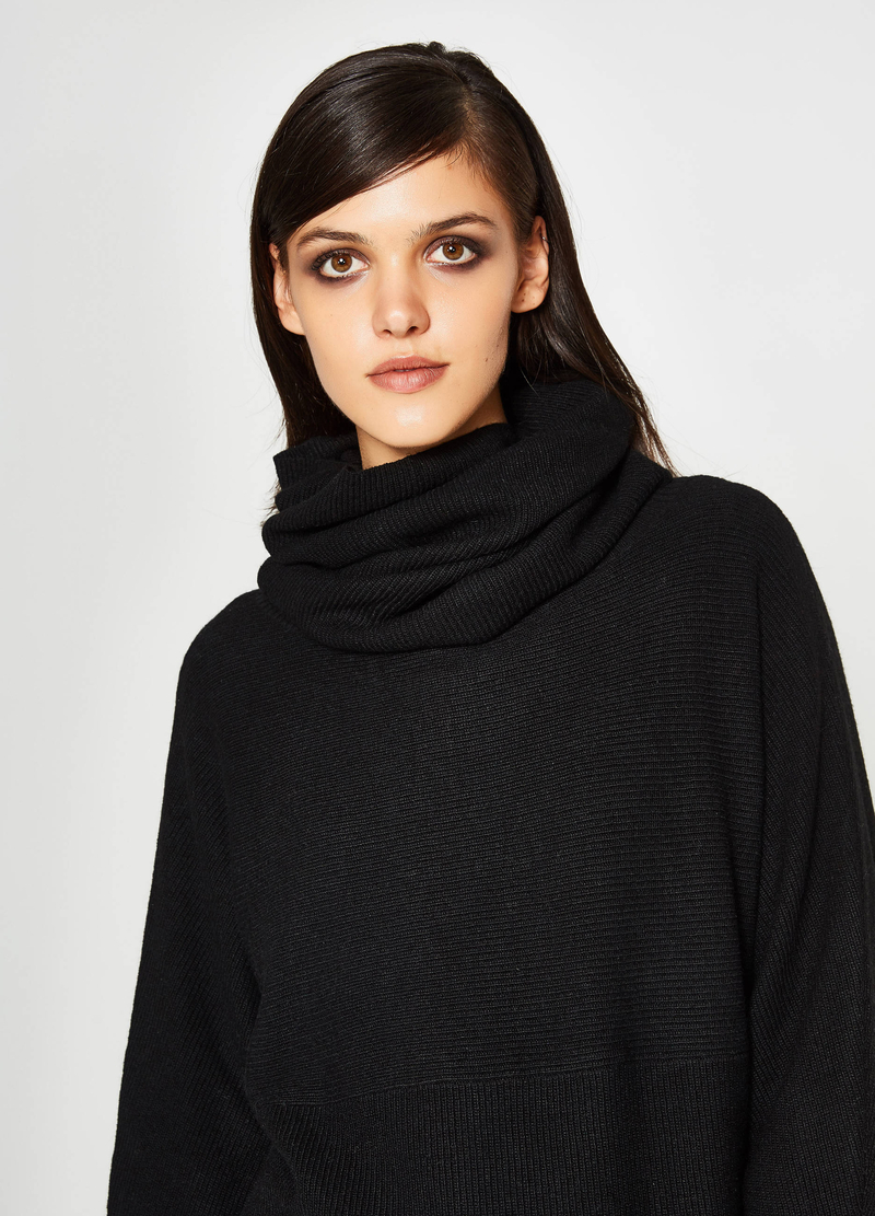 Wool and viscose batwing pullover image number null