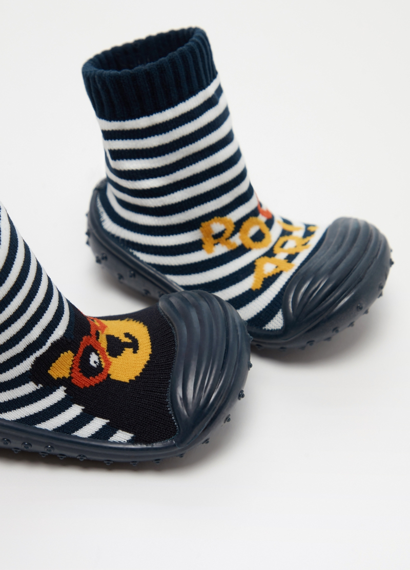 Sock slippers with striped pattern image number null