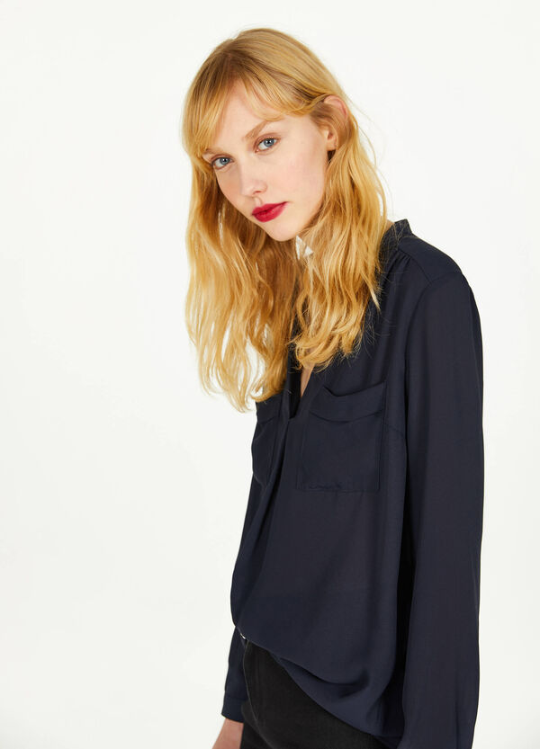 V-neck blouse with pleating
