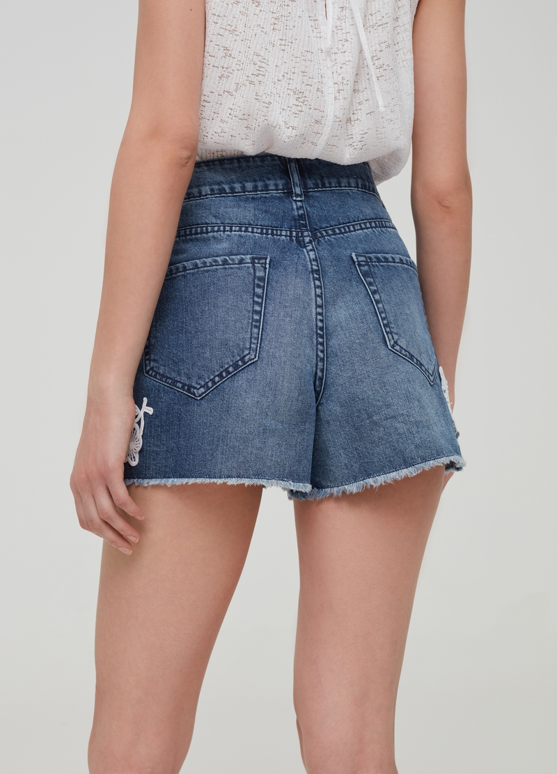 High-waisted denim shorts with macramé inserts image number null