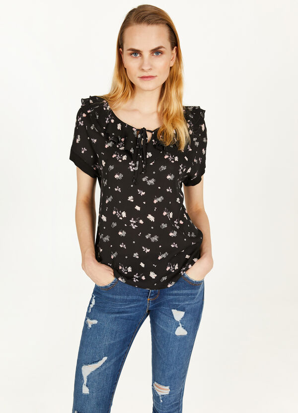 Floral patterned T-shirt with flounce