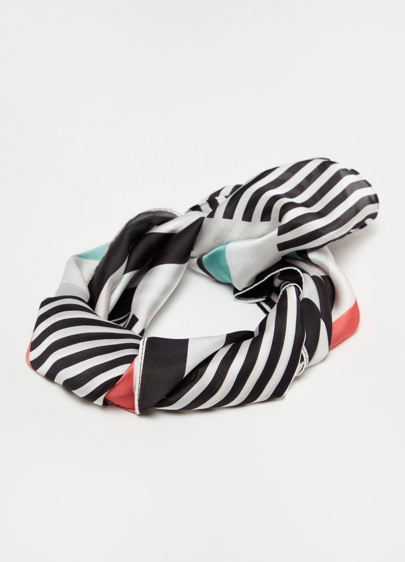 Multicoloured foulard with striped pattern image number null