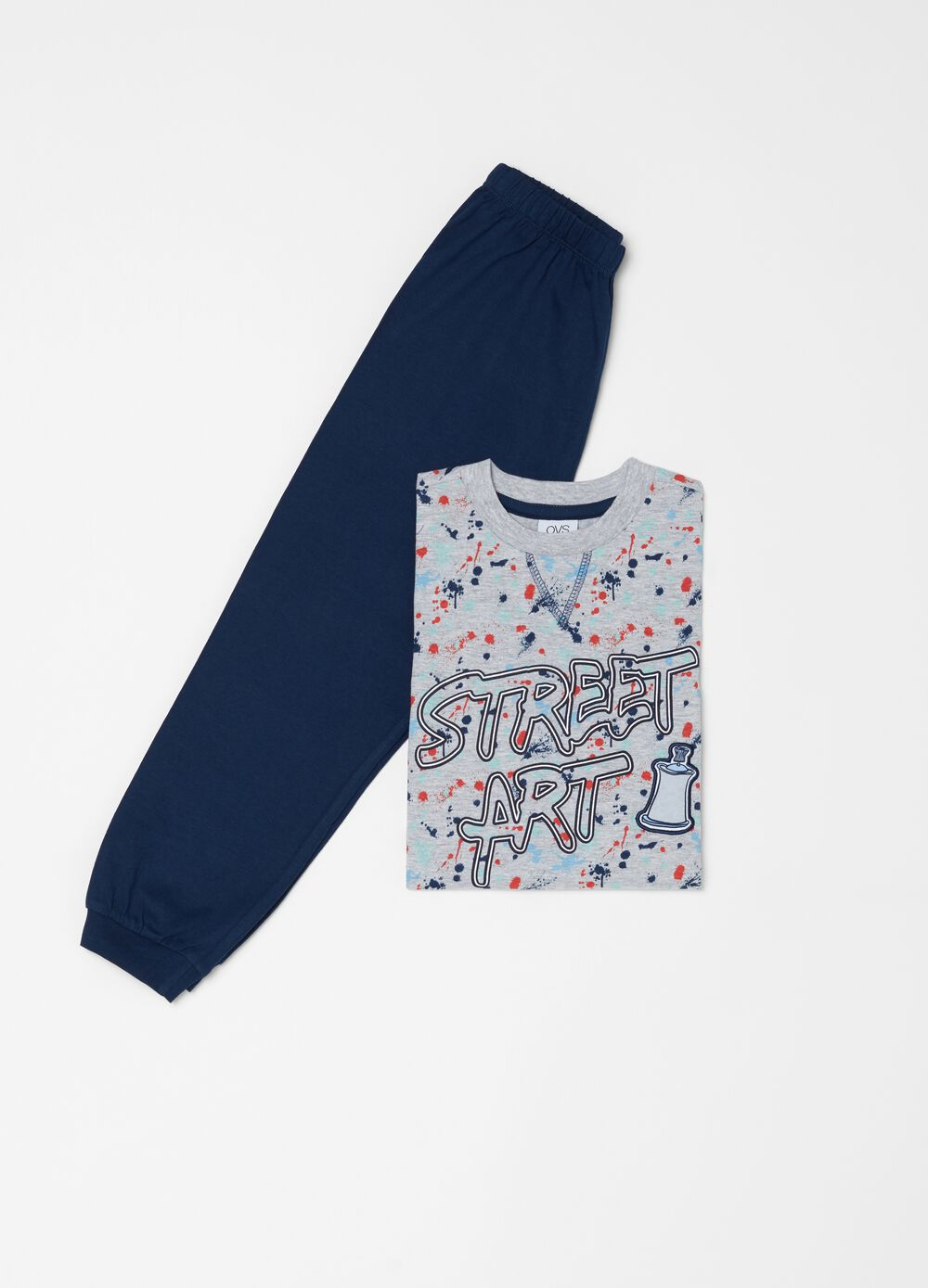 Pyjamas with top and trousers with print