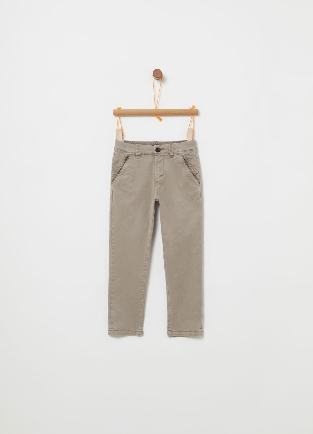 Twill chino trousers with functional pockets