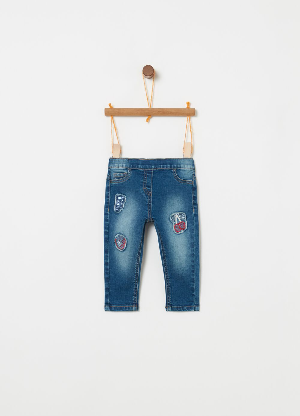 Jeans slim fit stretch e patches frutta