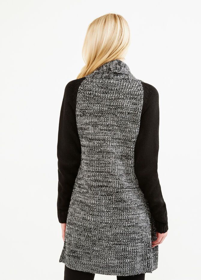 Long cardigan with contrasting sleeves