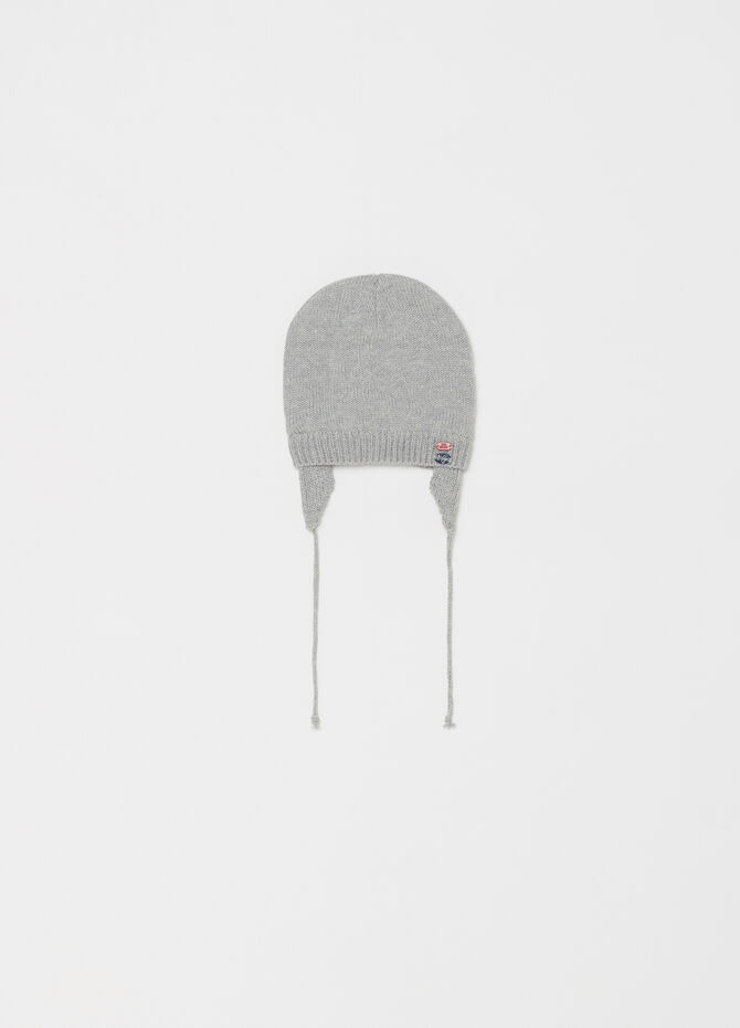 Beanie cap with lace-up fastening