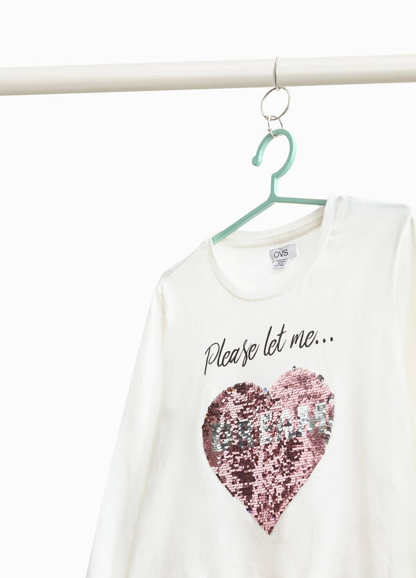 T-shirt with heart sequins and print