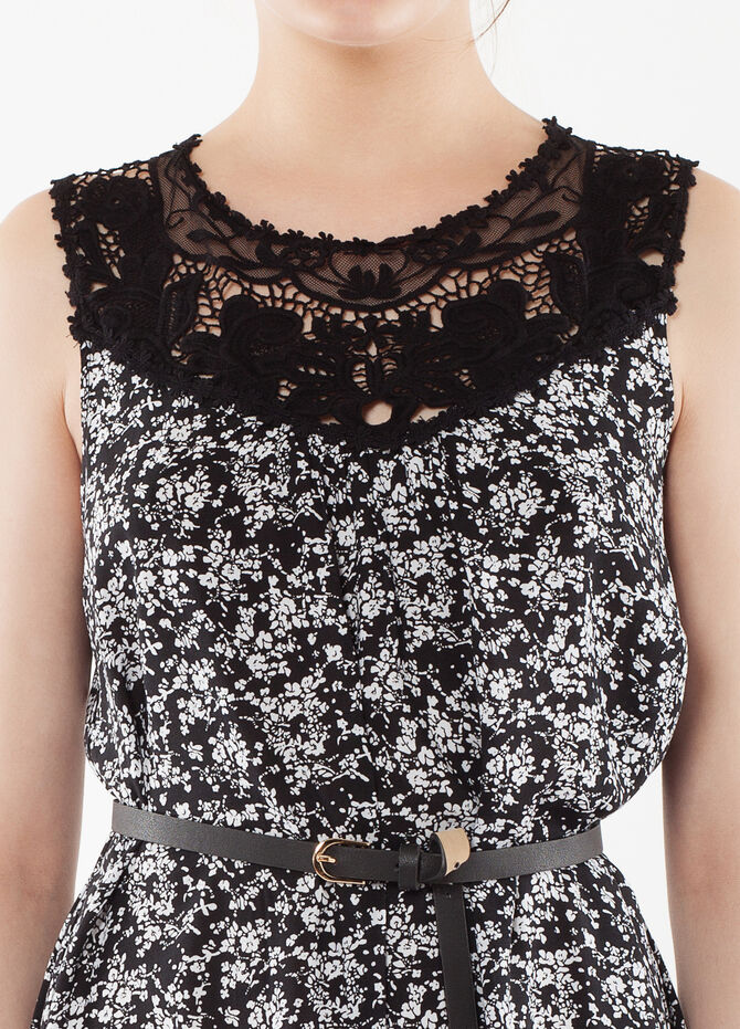 Dress with belt and lace