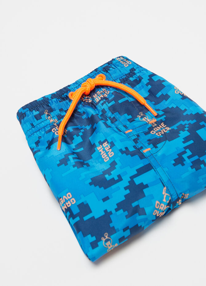 Beach shorts with camouflage drawstring
