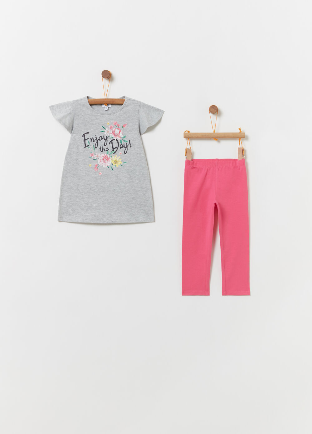 Jogging set t-shirt con stampa e leggings