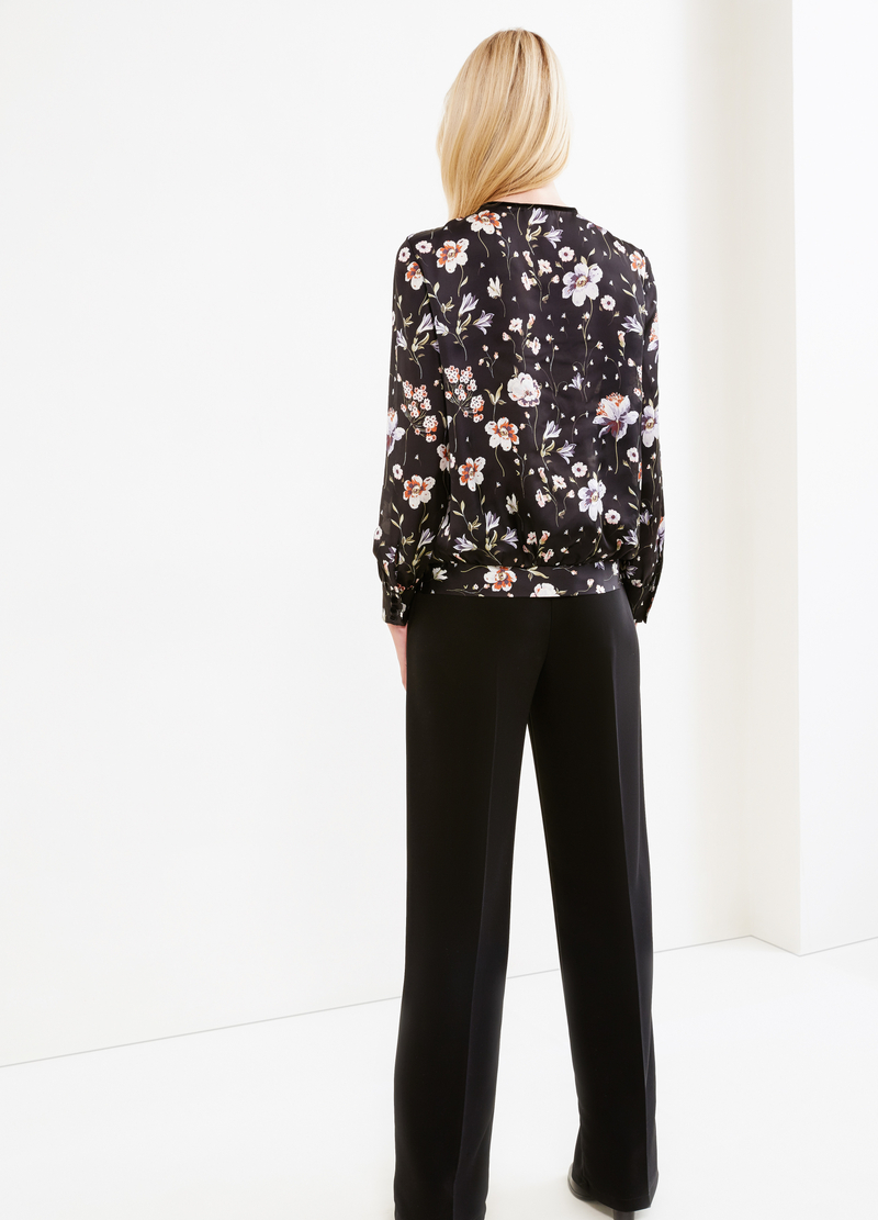 Blouse with all-over floral print image number null