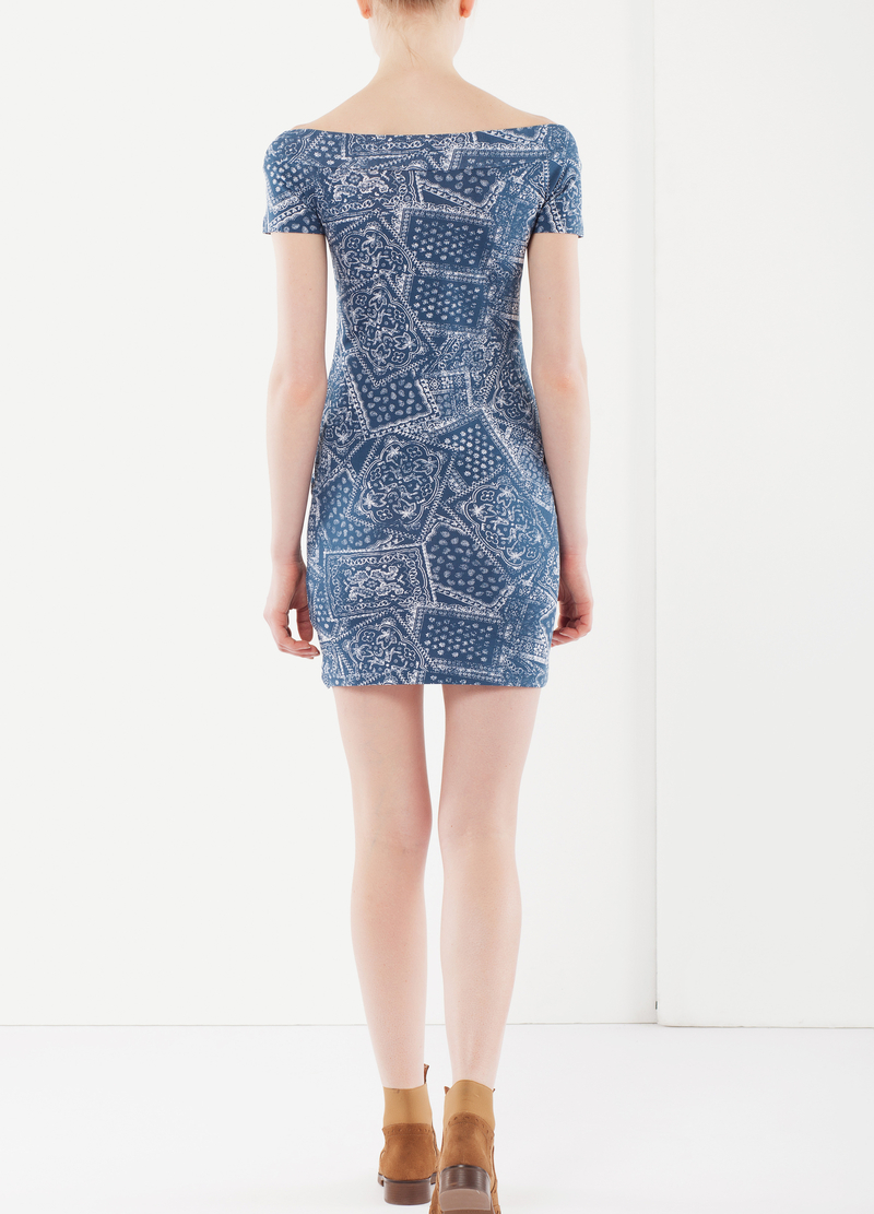 Figure-fit dress image number null
