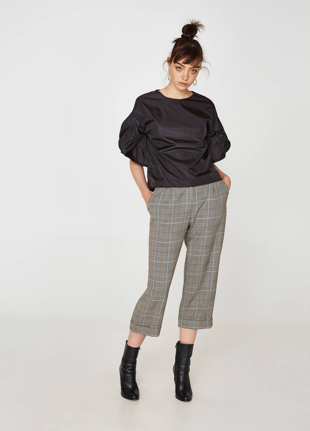Pantaloni crop stretch a quadri