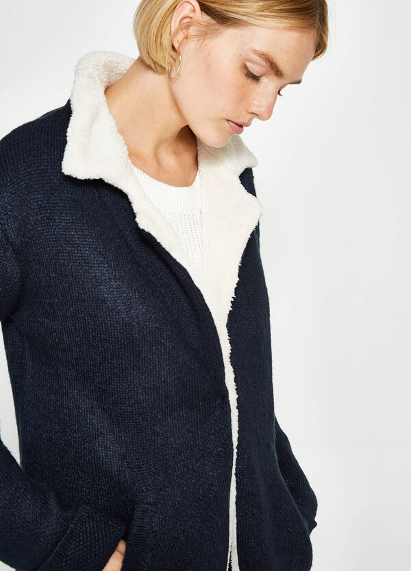 Knitted cardigan with fur