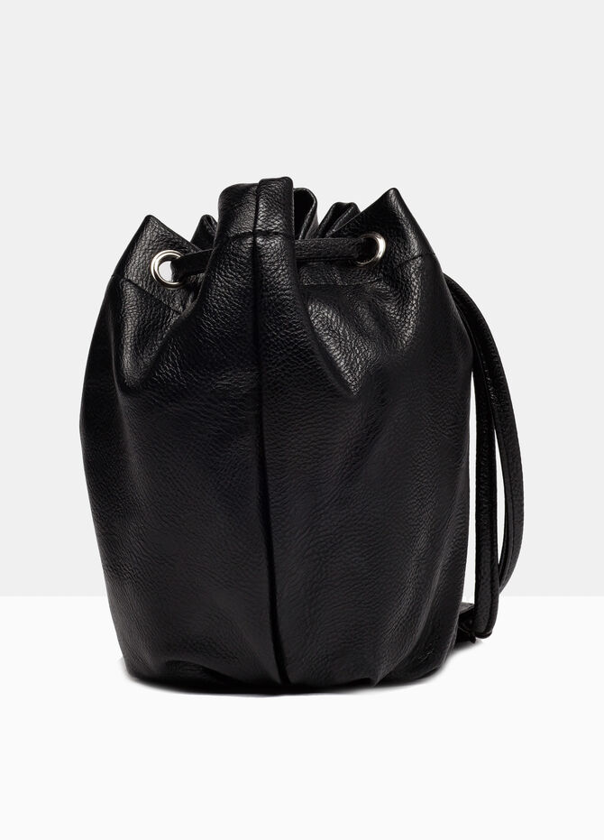 Leather look shoulder bag.