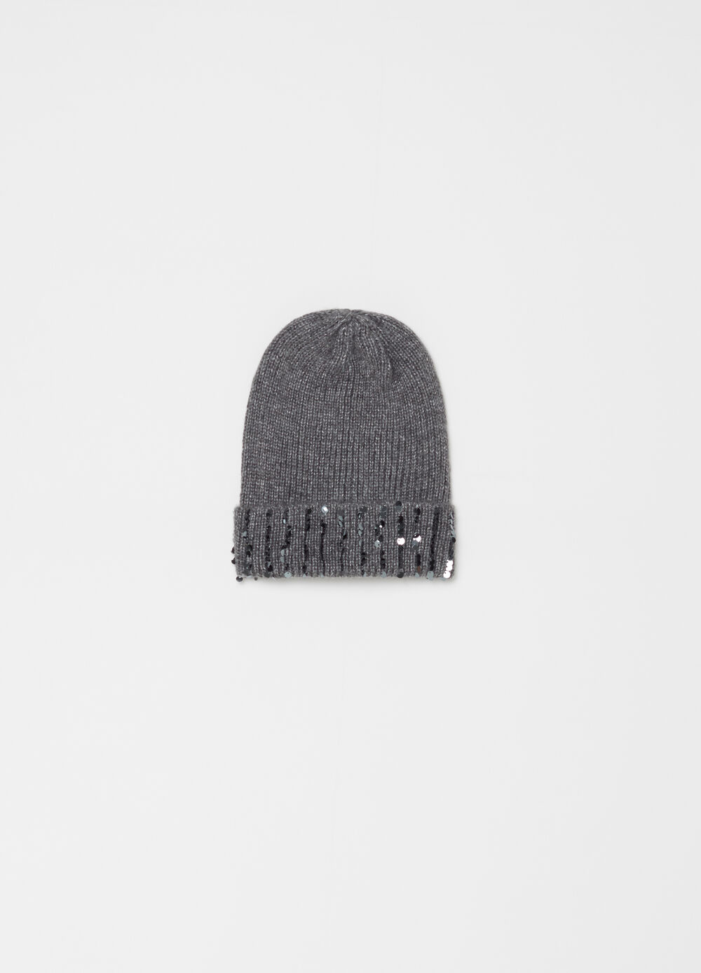 Knitted beret with sequins