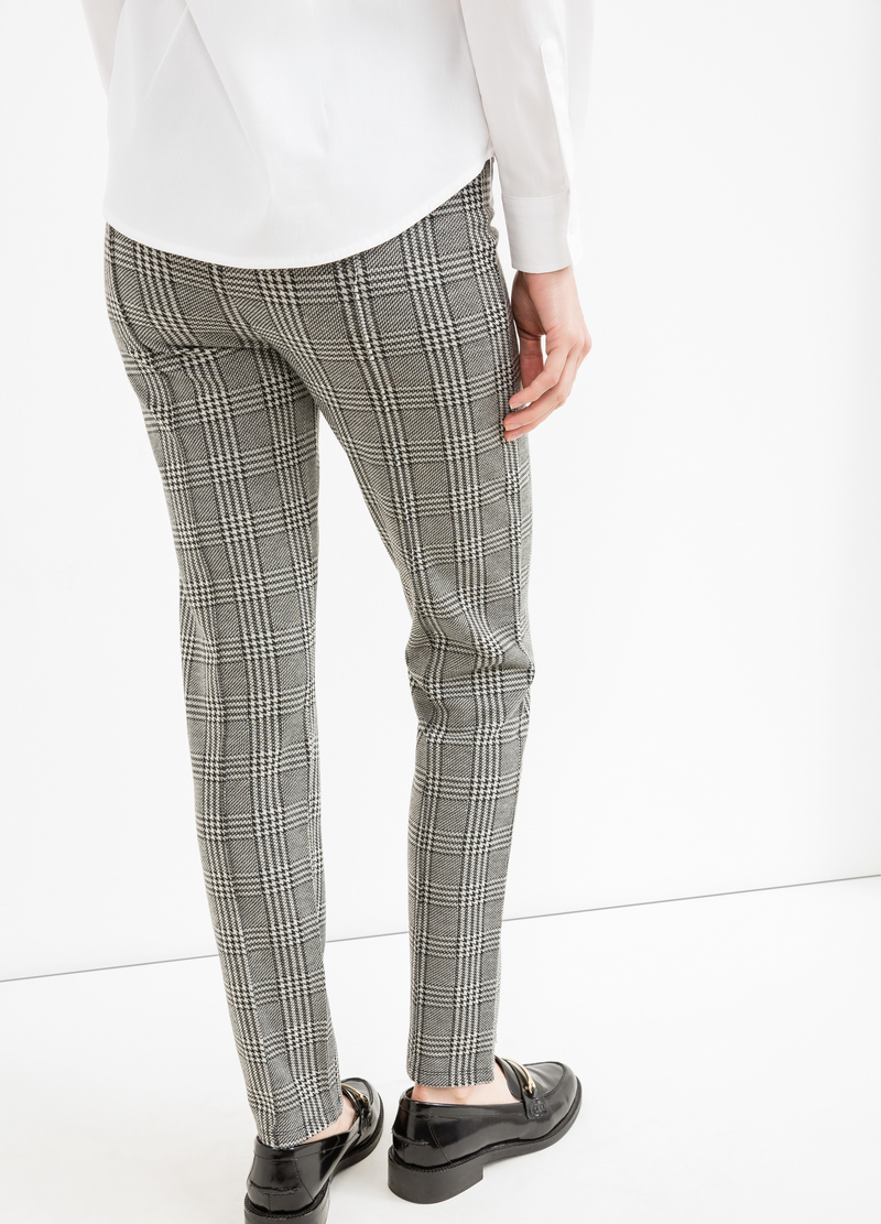 Pantaloni stretch fantasia a quadri image number null