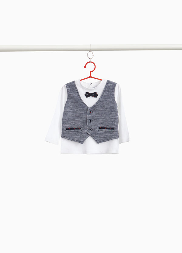100% cotton T-shirt with waistcoat and bow tie