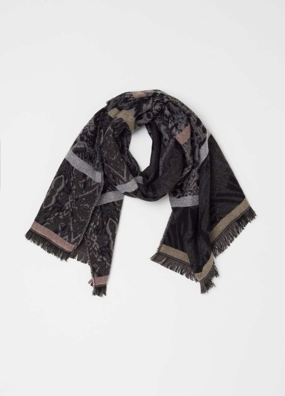 Jacquard pashmina with pattern