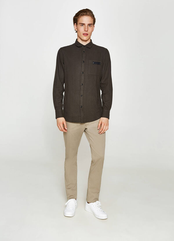 Casual cotton shirt with patch