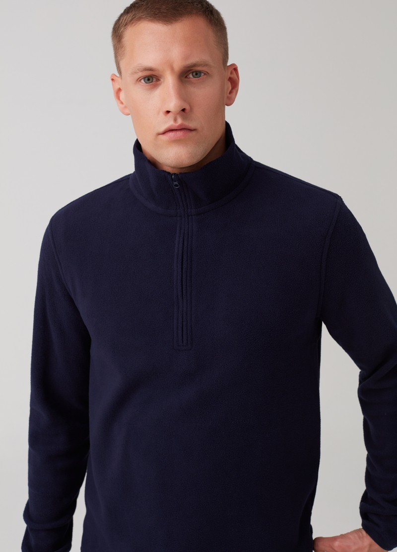 Sustainable fleece with high neck and zip image number null