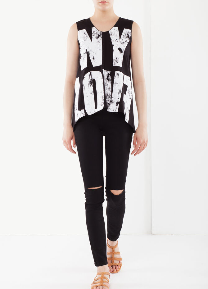 Asymmetrical top with writing