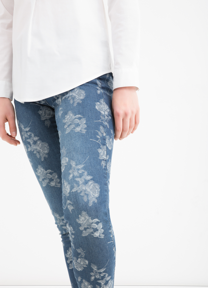 Floral stretch jeans image number null