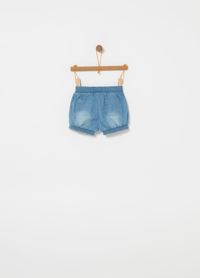 Shorts in denim con rivetti strass e fiore