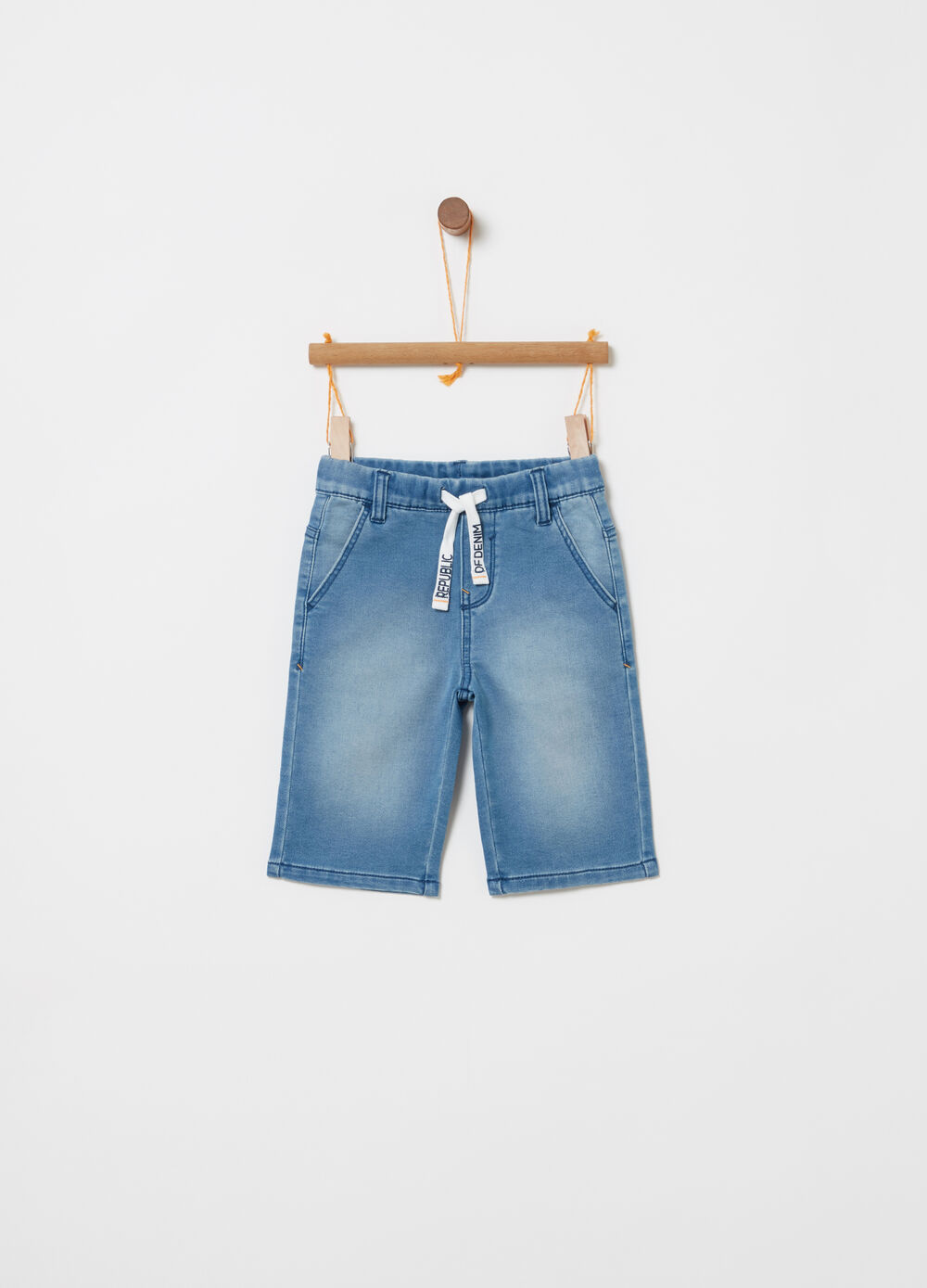 Denim shorts with functional pockets