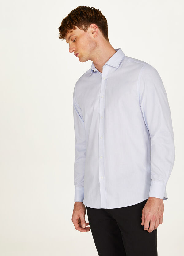 Regular-fit formal shirt with striped weave