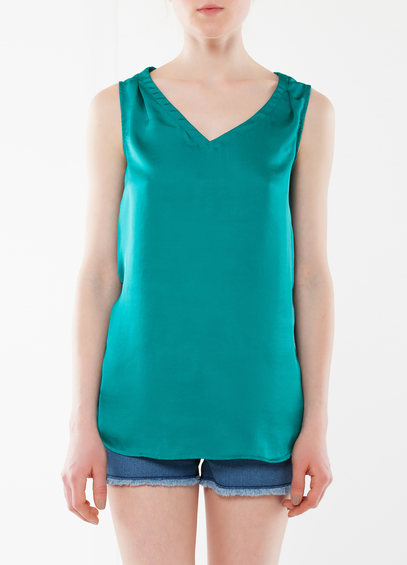V neck top image number null