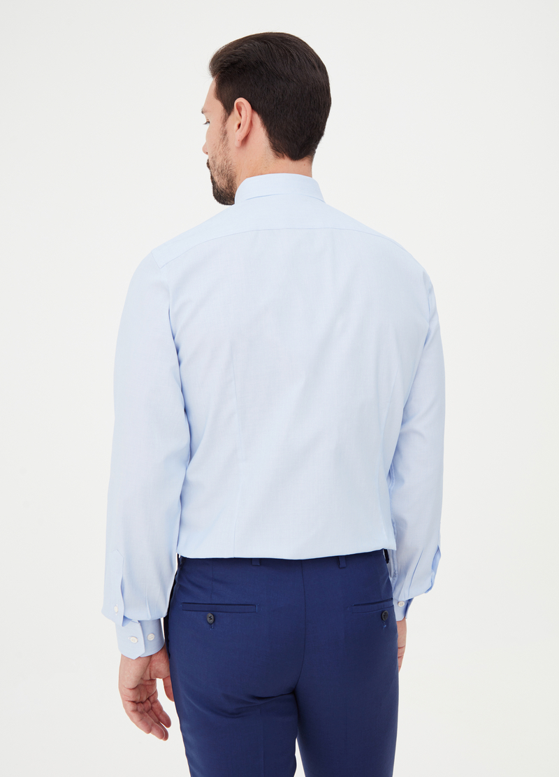 Slim-fit shirt with rounded cuffs image number null