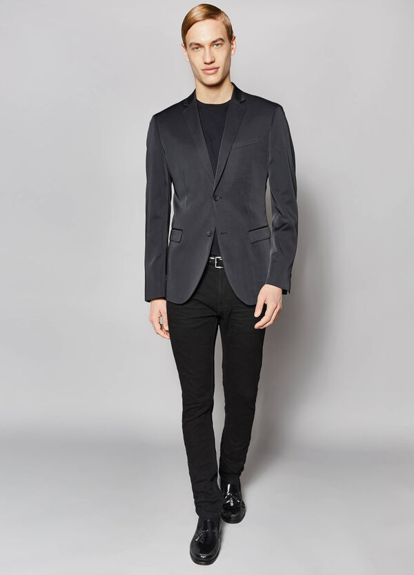 Elegant slim-fit two-button jacket
