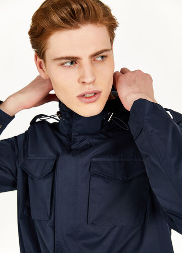 Jacket with pockets and epaulettes