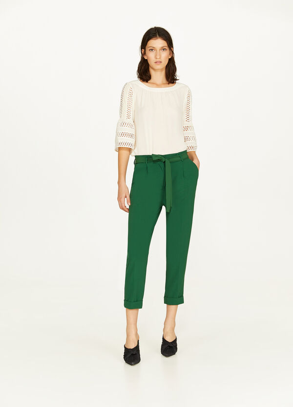 Solid colour crop trousers with belt