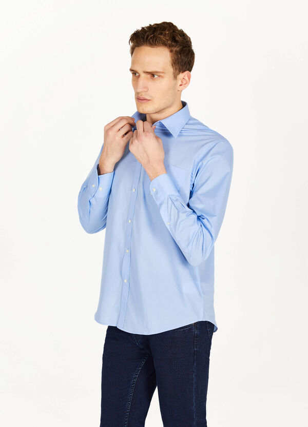 Classic regular-fit casual shirt