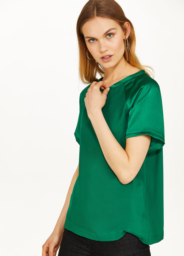 Solid colour satin T-shirt with raglan sleeves