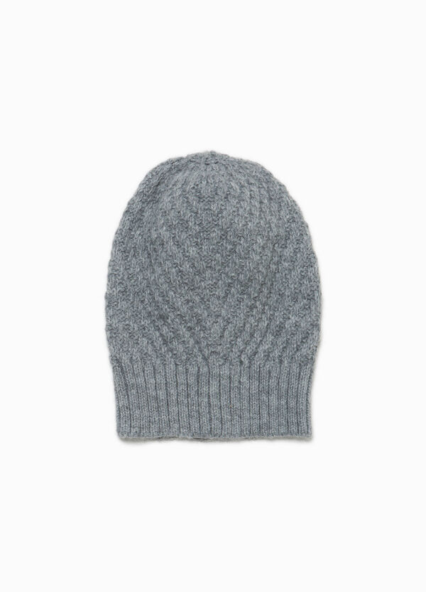 Knitted beanie cap with ribbing