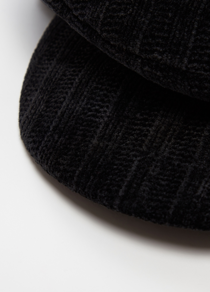 Baker boy hat in chenille image number null