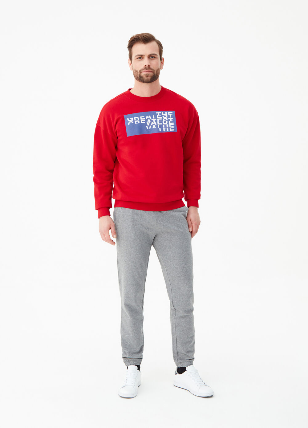 Jogger trousers with slant pocket