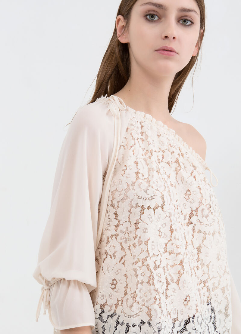 Cotton blend blouse with lace insert
