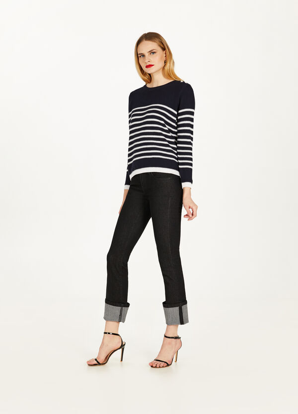Striped pullover with eyelets and laces