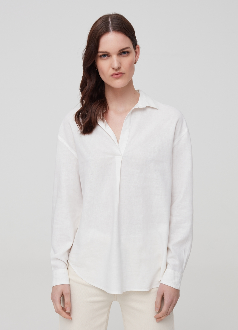 V-neck shirt in linen and viscose image number null