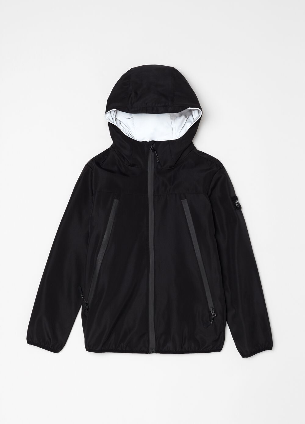 Soft windbreaker with large pockets
