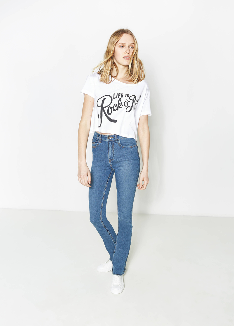 T-shirt crop con stampa a contrasto image number null