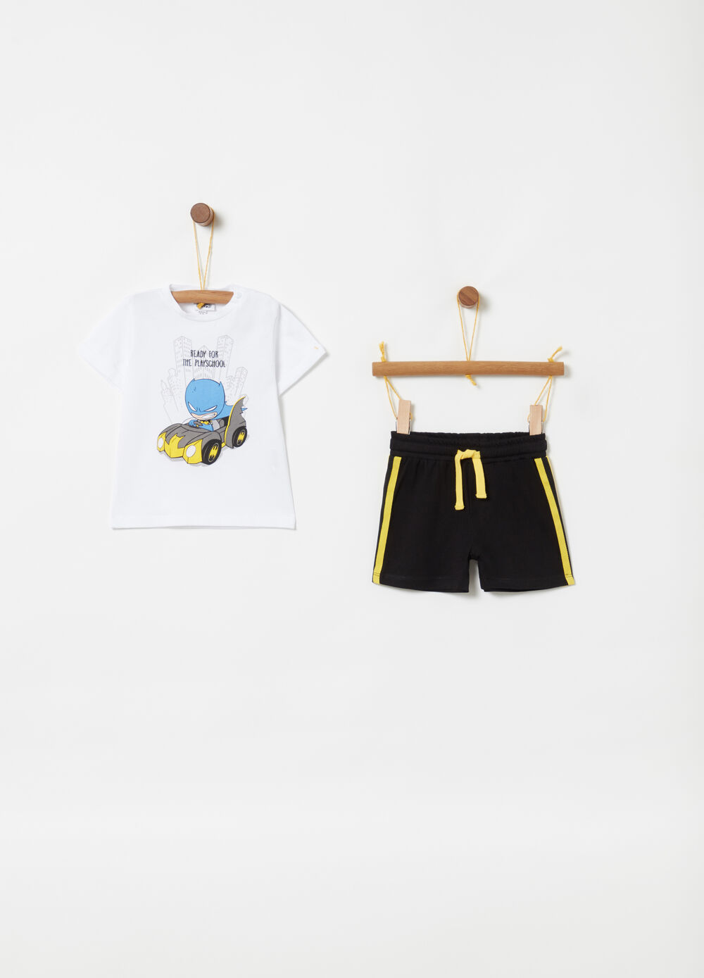 T-shirt and shorts jogging set with Batman print