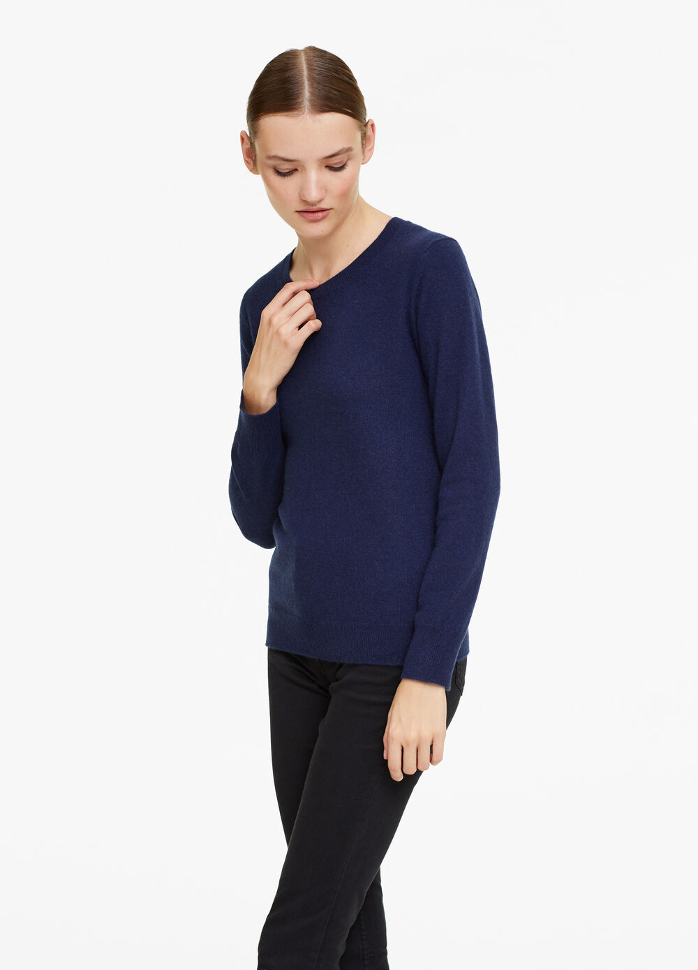 100% cashmere pullover with round neck