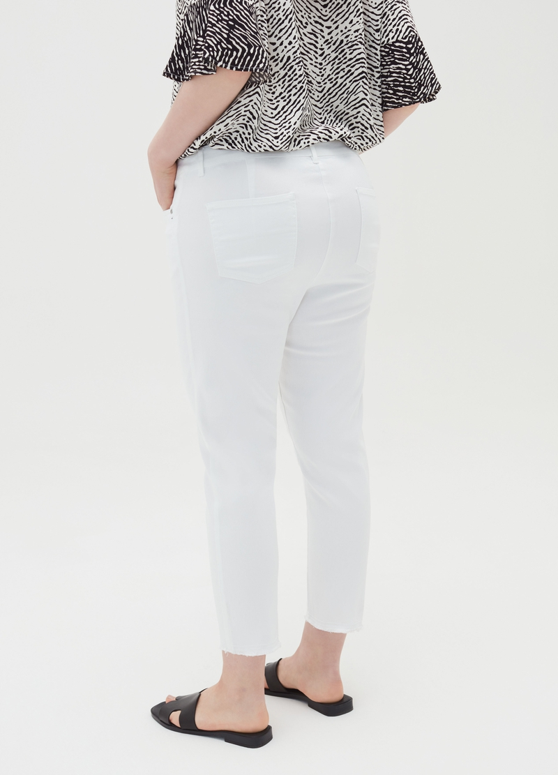 Curvy ankle-fit jeans image number null